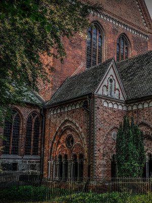 church-4048061_1920